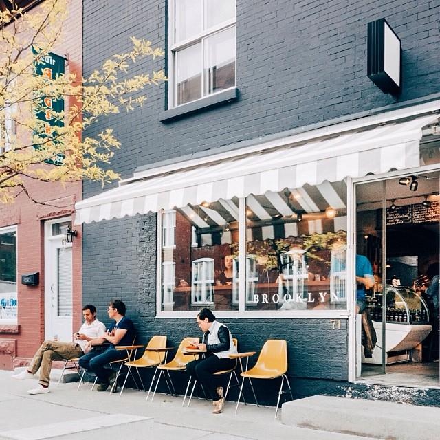 Brooklyn Café Showroom – Photo par Ali Inay