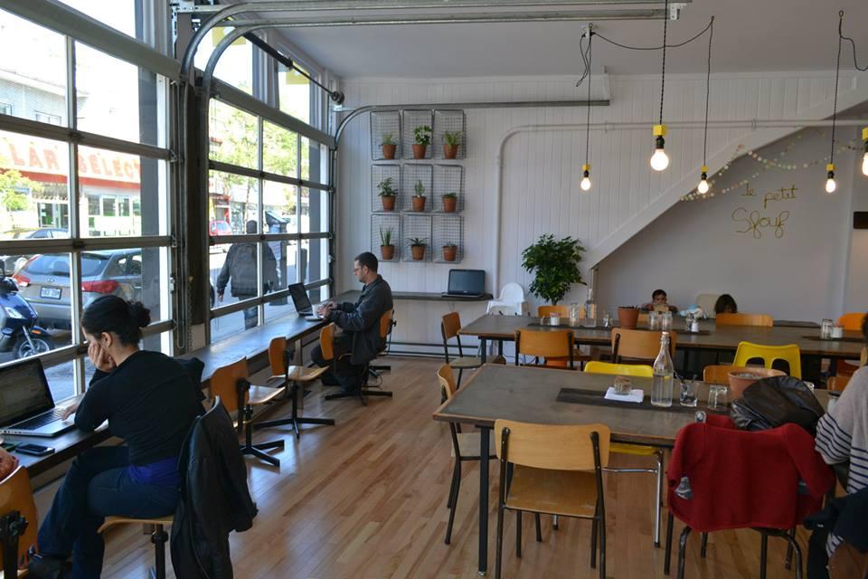 Boutique A Louer Cafe Bar